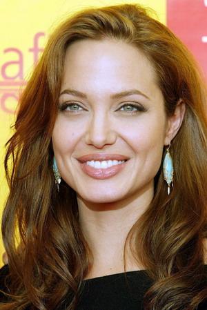 280 عکس و والپیپیر زیبا از آنجیا جولی Angelina Jolie + بیوگرافی آنجلیا جولی WwW.FuN2Net.MiHaNbLoG.CoM